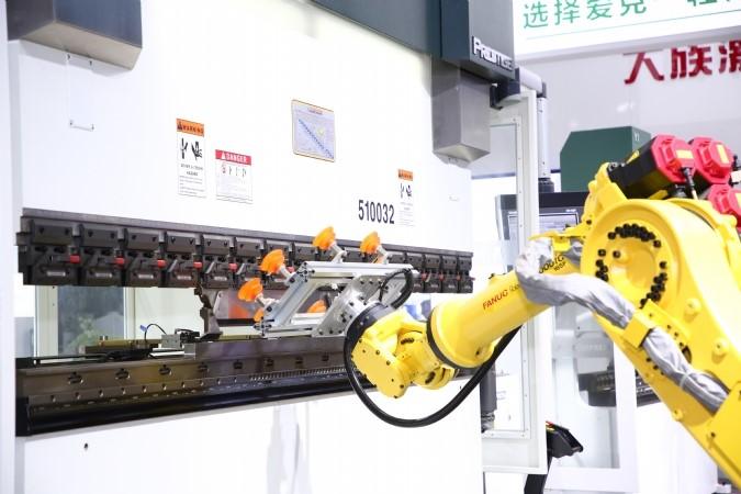 2020年工业机器人市场规模或超62亿美元